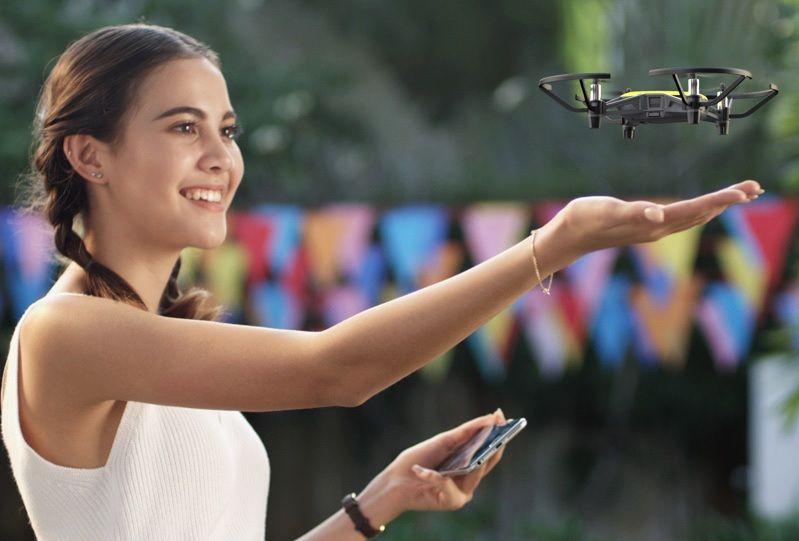 dron DJI Tello control gestos