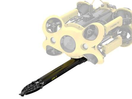 Chasing M2 con brazo robótico con pinza