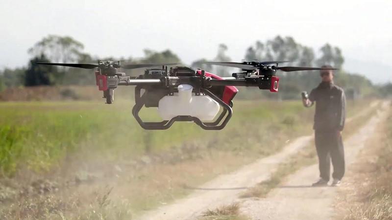 El dron XAG P80 puede despegar con 40 kilos de carga