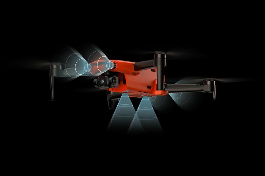 El Autel EVO cuenta con sensores para detectar obstáculos y evitar colisiones.